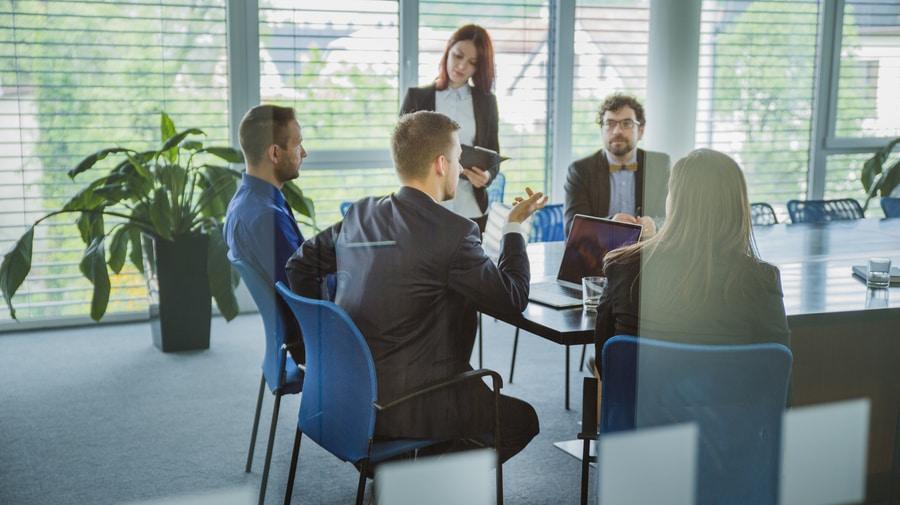 Первое предложение в деловых переговорах